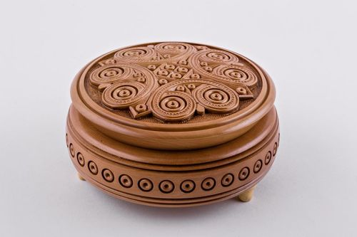 Wooden carved box - MADEheart.com