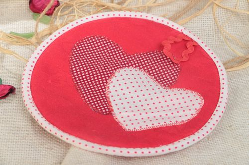 Red polka dot handmade cotton fabric pot holder with hearts - MADEheart.com