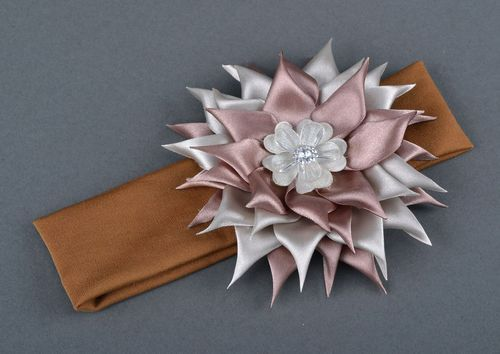 Headband with silk flower - MADEheart.com