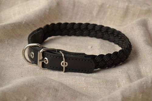 Handmade black dog collar - MADEheart.com