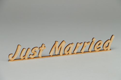 Handmade plywood blank lettering Just Married - MADEheart.com