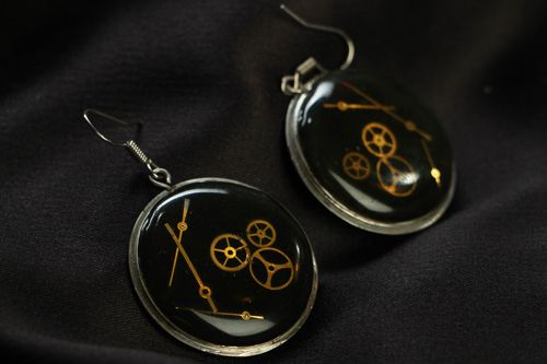 Round metal earrings in steampunk style - MADEheart.com