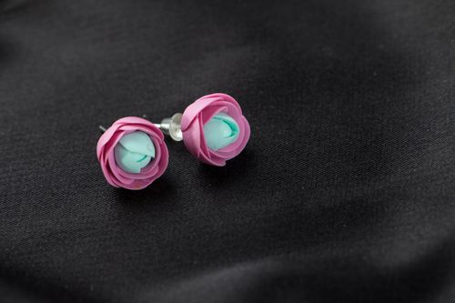 Homemade stud earrings - MADEheart.com