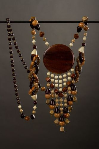 Long wooden bead necklace - MADEheart.com