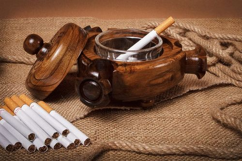 Wooden triangle ashtray  - MADEheart.com
