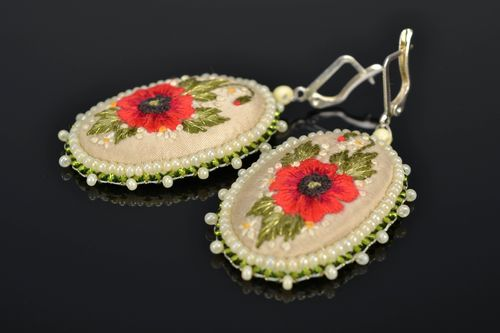 Satin stitch embroidered oval earrings Poppies - MADEheart.com