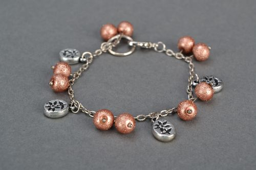 Bracelet with bead charms - MADEheart.com