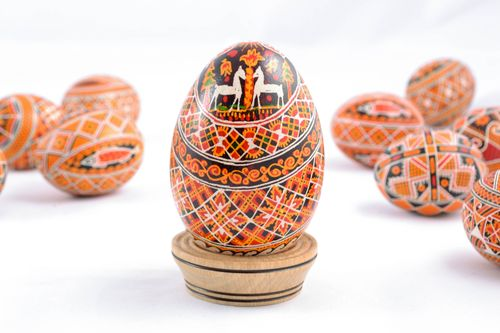 Handmade designer Easter egg with painting - MADEheart.com