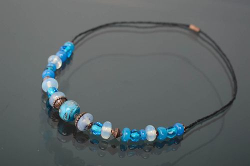 Lampwork Collier aus Glas in Blau - MADEheart.com