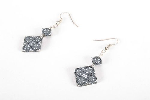 Black-and-white hanging earrings - MADEheart.com