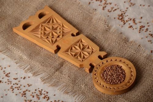 Handmade decorative wall hanging ornamented spoon carved of wood in ethnic style - MADEheart.com
