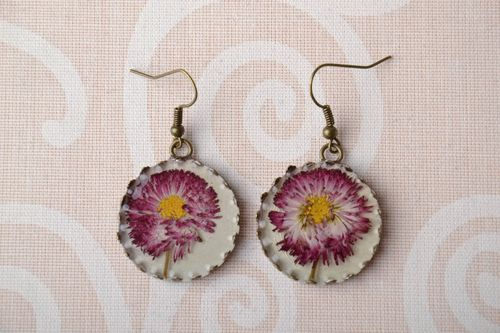 Pendant earrings with real flowers - MADEheart.com