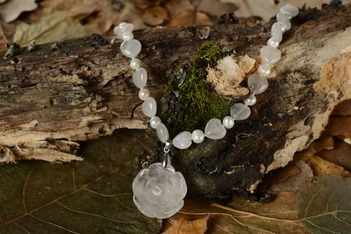 Pearl necklace with quartz - MADEheart.com