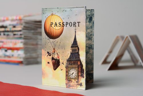 Homemade leather passport cover with print London - MADEheart.com