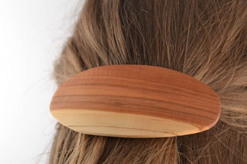 Hair jewelry clip Convenient oval beautiful handmade wooden hair clip of light color - MADEheart.com