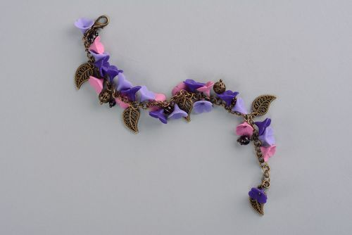 Homemade bracelet with polymer clay flowers - MADEheart.com