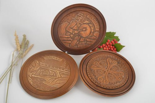 Wooden gifts handmade decorations wall plates wooden plates housewarming gifts - MADEheart.com