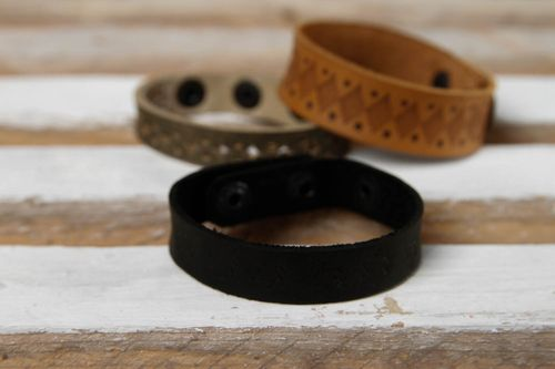 Unusual handmade leather bracelet artisan jewelry fashion trends gift ideas - MADEheart.com