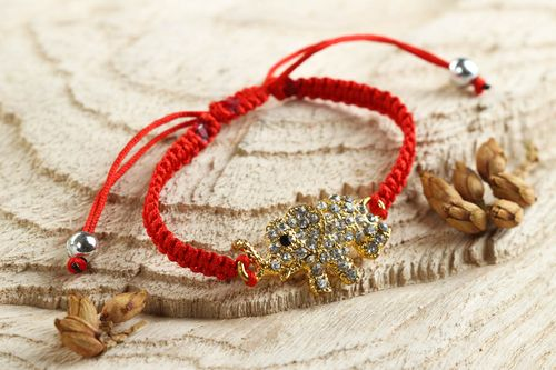 Stylish handmade friendship bracelet woven string bracelet fashion accessories - MADEheart.com