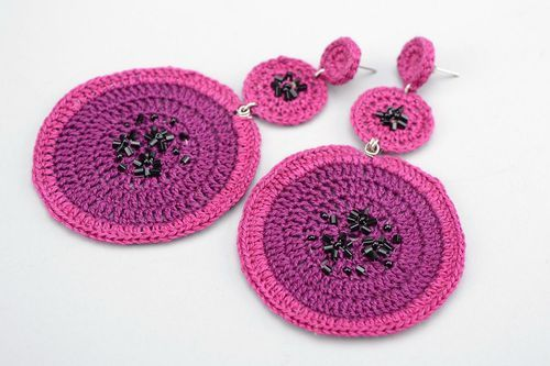 Purple crocheted earrings - MADEheart.com