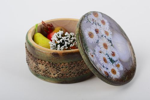 Round handmade wooden box jewelry box design decoupage ideas gifts for her - MADEheart.com
