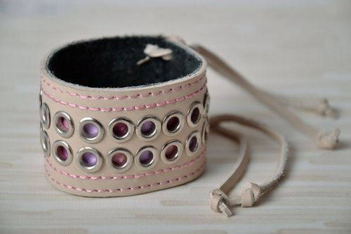 Beige leather bracelet with rivets - MADEheart.com