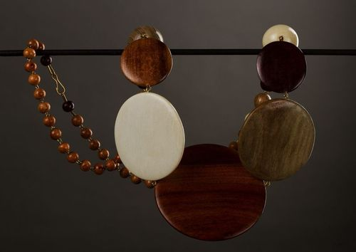 Handmade wooden necklace - MADEheart.com