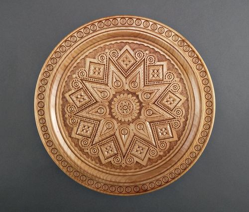 Carved wooden plate - MADEheart.com