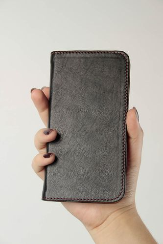 Handmade leather phone case phone accessories for men best gifts for him - MADEheart.com