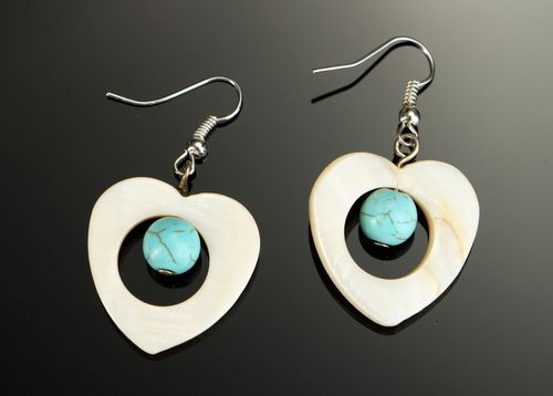 Beautiful pearl earrings with turquoise - MADEheart.com