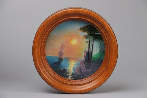 Round wooden photo frame - MADEheart.com