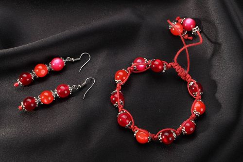 Bracelet and earrings of cherry color  - MADEheart.com