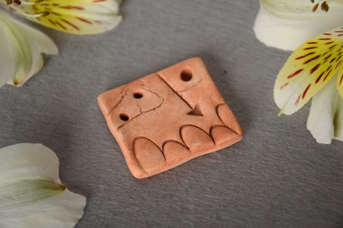 Handmade pendant molded of pottery clay with arrow pattern for creative work - MADEheart.com