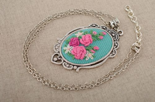 Hand embroidered pendant with metal chain - MADEheart.com