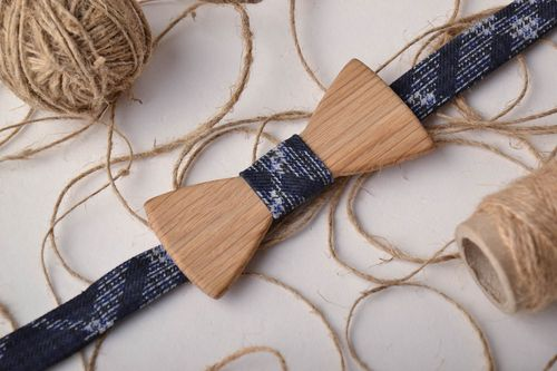 Stylish wooden bow tie - MADEheart.com