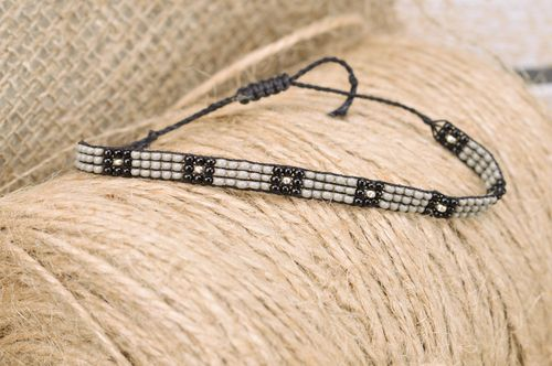 Beautiful black and gray thin beaded bracelet with ties for men - MADEheart.com