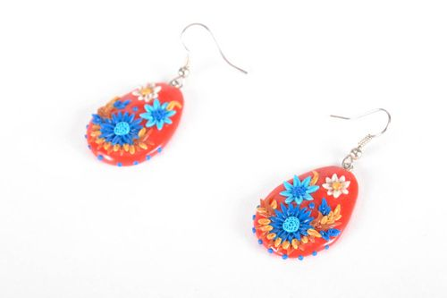 Bright earrings made using filigree technique - MADEheart.com