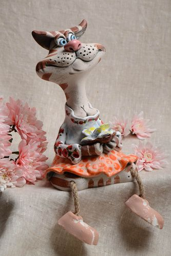 Ceramic money box in the form of small cat beautiful handmade home statuette - MADEheart.com