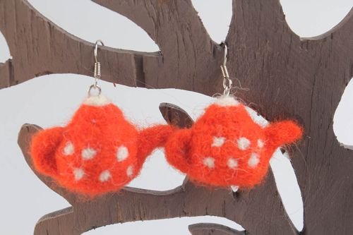 Wool earrings made using needle felting technique - MADEheart.com