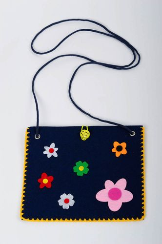 Handmade woolen baby purse small shoulder bag felted purse present for girls - MADEheart.com