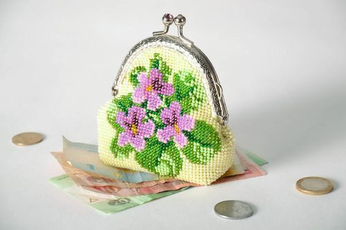 Wallet embroidered with beads - MADEheart.com