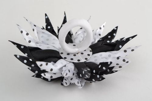 Handmade elastic hair band with black and white satin ribbon kanzashi flower - MADEheart.com