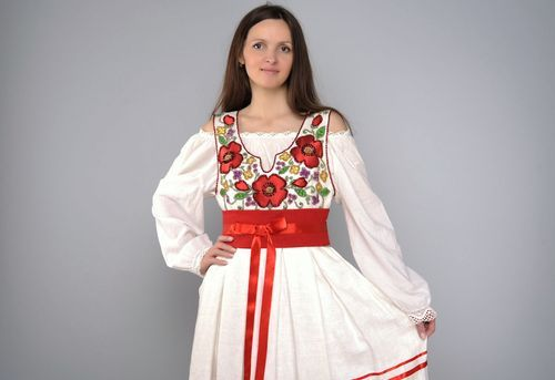 Linen clothing ensemble in ethnic style - MADEheart.com
