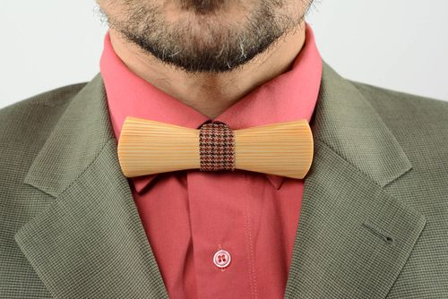 Wooden bow tie Tweed Terracotta - MADEheart.com