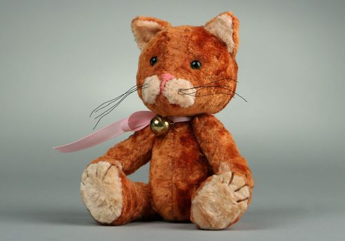 Vintage plush cat made using Teddy technique - MADEheart.com