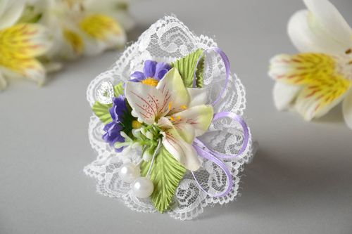 Beautiful handmade designer wrist boutonniere for bridesmaid with flowers - MADEheart.com