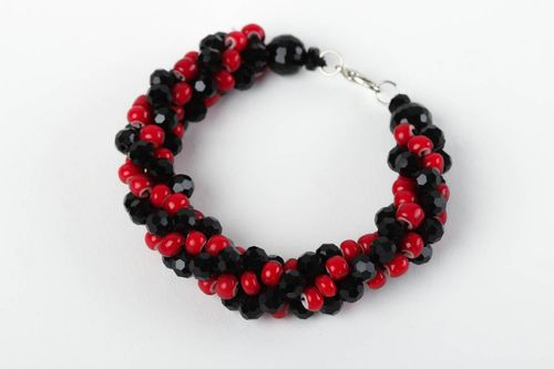 Handmade jewelry beaded bracelet wrist bracelet for women designer jewelry - MADEheart.com