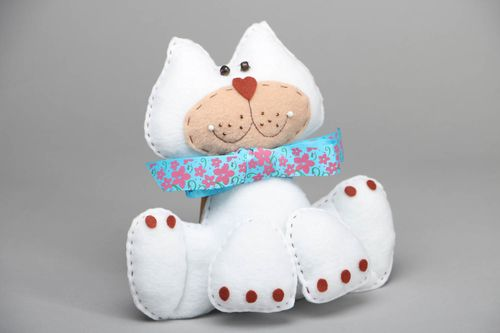 Soft fleece toy Cat with Butterfly - MADEheart.com