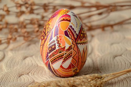 Easter egg painted with aniline dyes - MADEheart.com