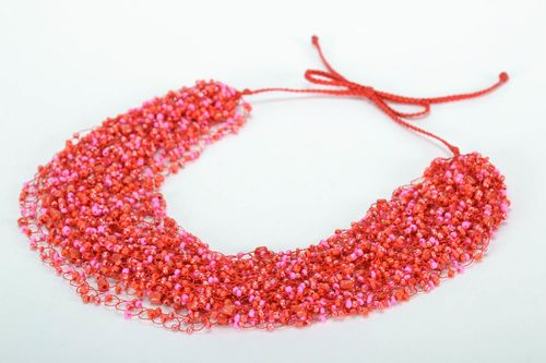 Crocheted bead necklace - MADEheart.com
